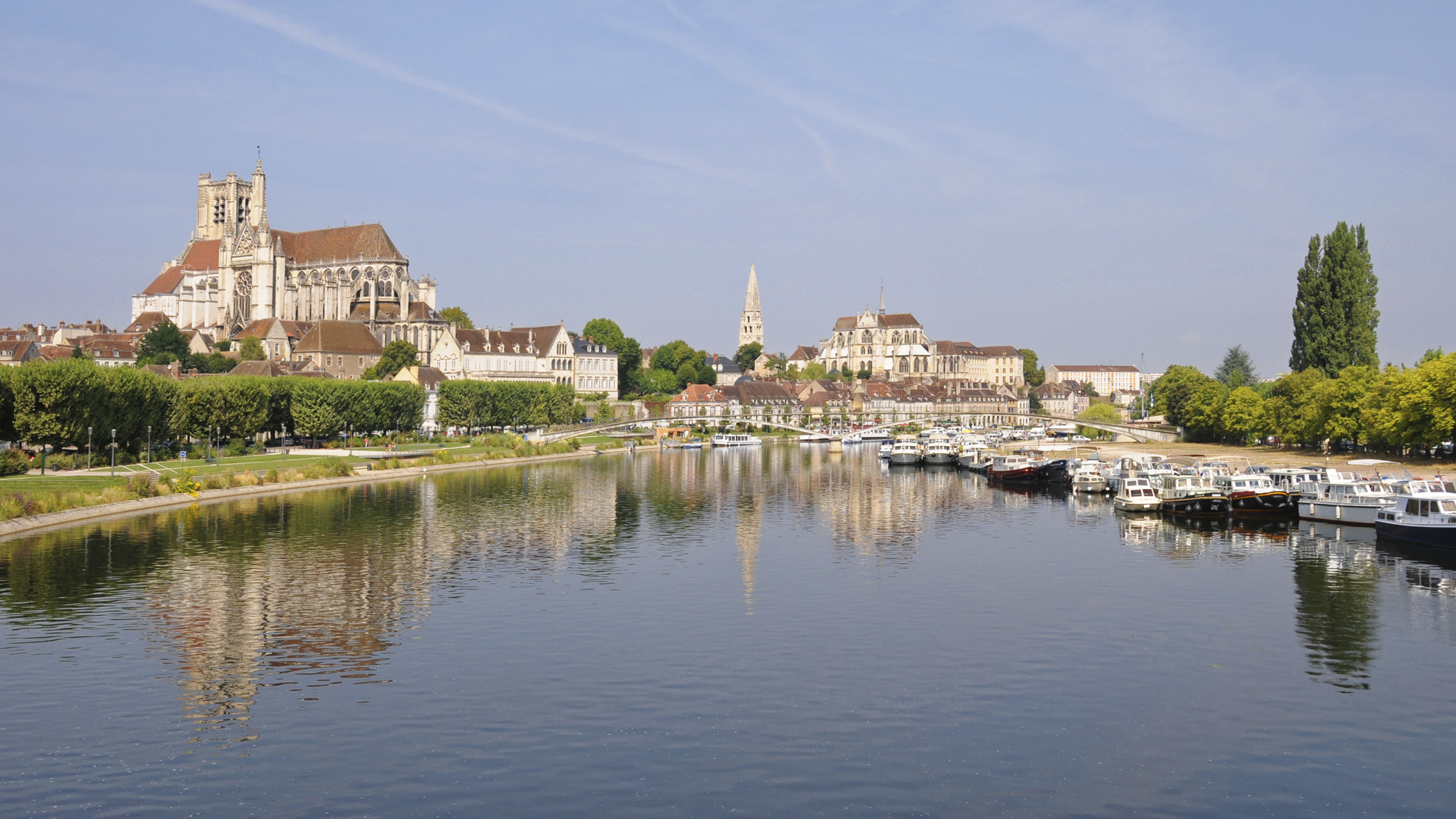 Auxerre ville d art et d histoire notre rencontre 25 26 for Piscine auxerre